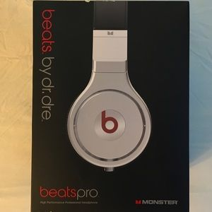BeatsPro by Dr. Dee. Monster